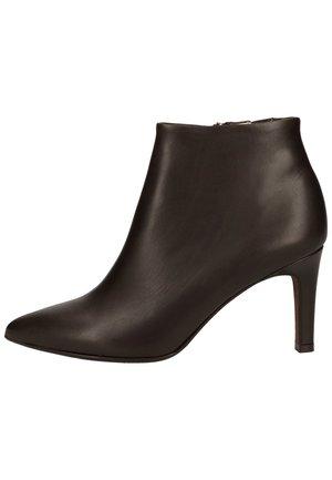 High heeled ankle boots - nuba 337
