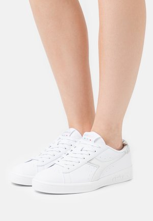 GAME  - Sneakersy niskie - white/silver