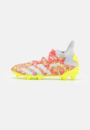 PREDATOR FREAK .3 FG - Fotballsko - clear grey/footwear white/solar yellow