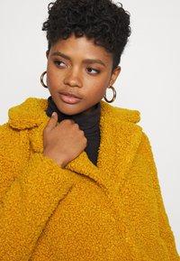 Noisy May - NMGABI - Classic coat - inca gold/lining black - 3