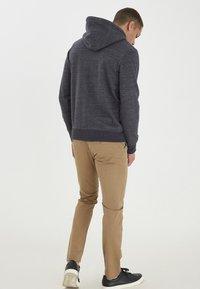 Blend - HELNO - Zip-up sweatshirt - black - 2
