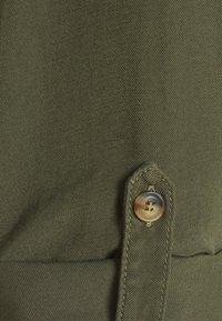 ONLY - ONLNEW ARIS LIFE DRESS  - Košilové šaty - kalamata - 2