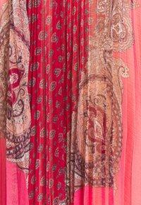 TWINSET - ABITO LUNGO SPALLINA PAISLEY - Day dress - rosa neon - 2