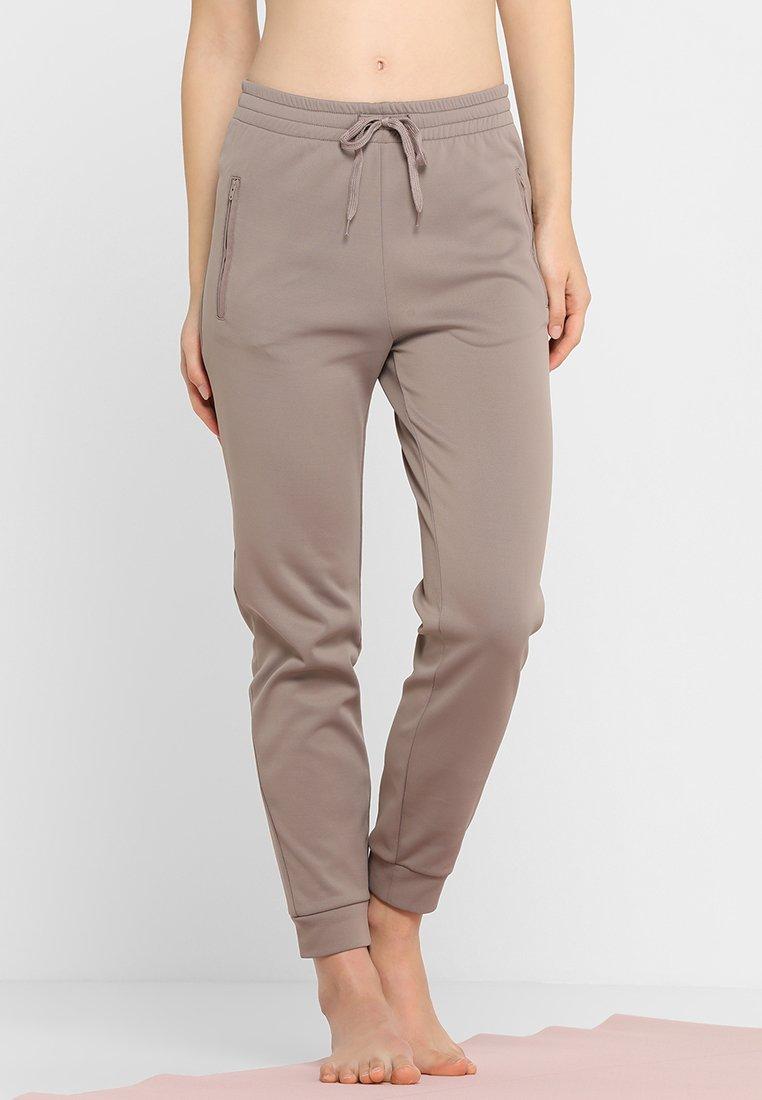 filippa k shiny sweat pants