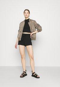 Vero Moda - VMARIA - Shorts - black - 1