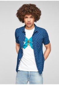 QS by s.Oliver - EXTRA SLIM - Shirt - blue aop - 1