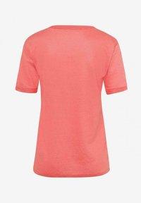 BRAX - STYLE CATHY - Basic T-shirt - light red - 6