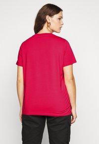 adidas Originals - TREFOIL TEE - T-shirts print - power pink/white - 2