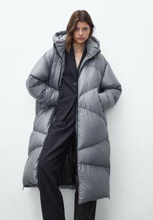 Winter coat - metallic grey