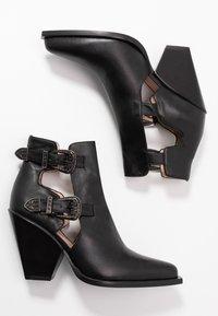 Pinko - PAPRICA TRONCHETTO - Boots à talons - nero limousine - 3