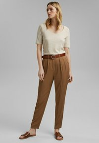 Esprit - Basic T-shirt - light beige - 1