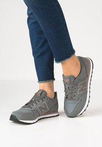 New Balance - GW500 - Trainers - grey - 0