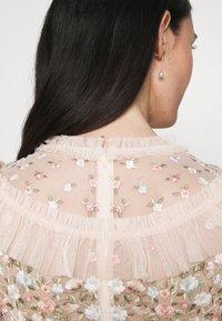 Needle & Thread - LALABELLE MINI DRESS - Koktejlové šaty/ šaty na párty - strawberry icing - 3
