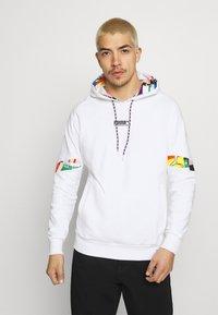 Puma - HOODIE - Sweatshirt - white - 0