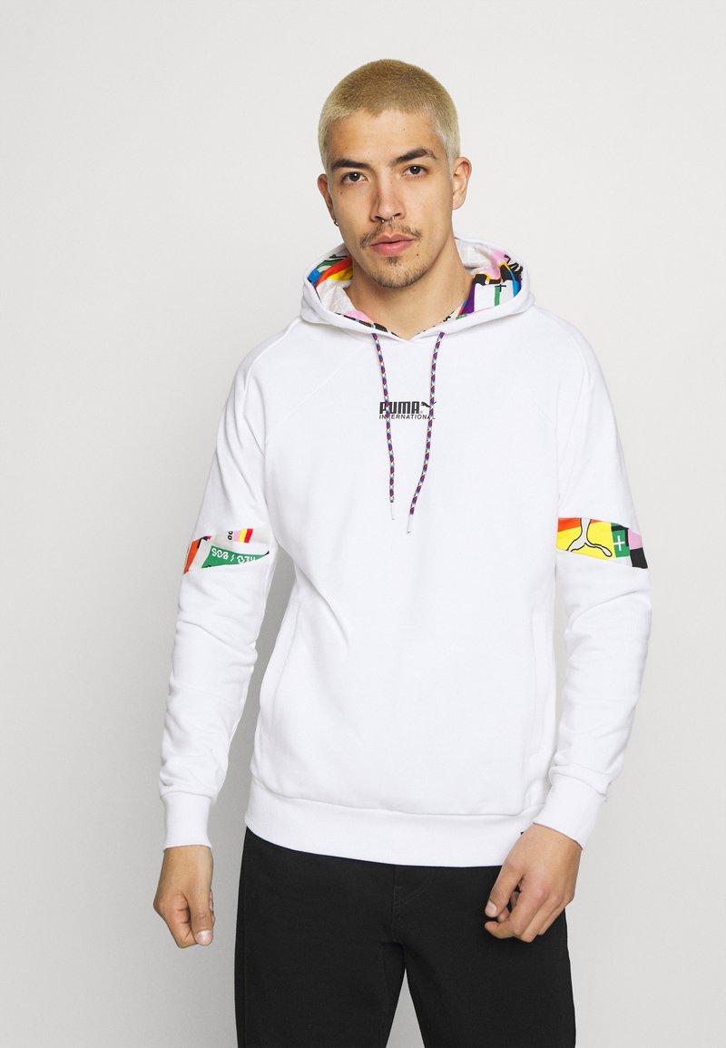 Puma - HOODIE - Sweatshirt - white
