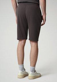 Napapijri - NALLAR - Shorts - dark grey solid - 2