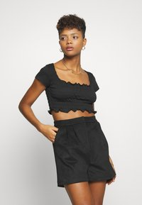 Missguided - SHIRRED CROP 2 PACK - T-shirt basic - red/black - 2