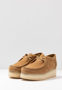 Clarks Originals - WALLACRAFT  - Nauhakengät - oak - 4