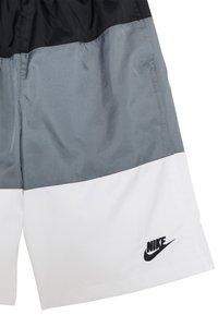 Nike Sportswear - WOVEN BLOCK - Short - black/smoke grey/white - 2