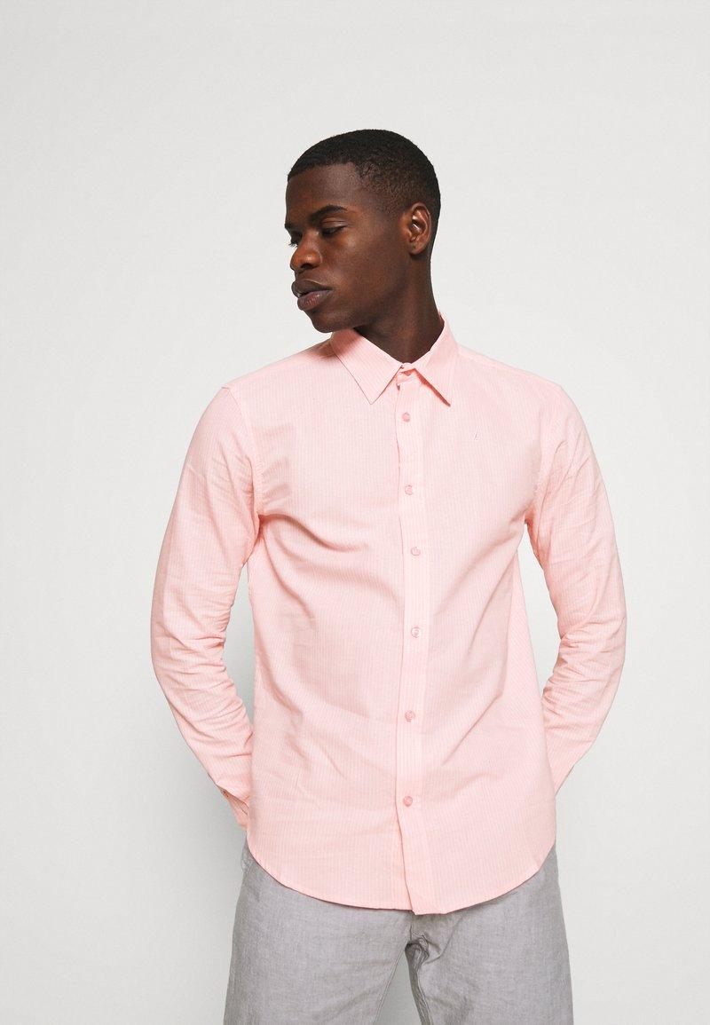 Newport Bay Sailing Club - CORE STRIPE SHIRT - Košile - pale pink