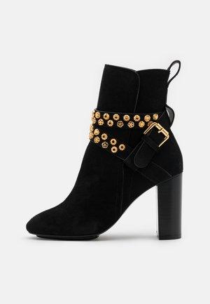 Kotníková obuv na vysokém podpatku - nero
