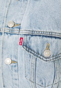 Levi's® - LOOSE SLEEVE TRUCKER - Jeansjacka - light blue denim - 5