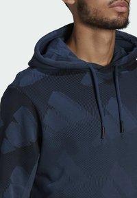 adidas Originals - FI Graphic PO BD MUST HAVES SPORTS RELAXED SWEATSHIRT HOODIE - Luvtröja - blue - 4