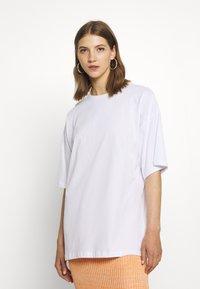 Even&Odd - T-shirts med print - white - 2