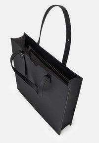 PB 0110 - Handbag - black - 3