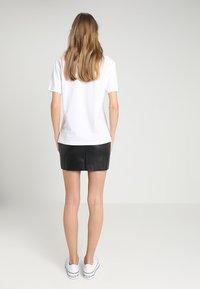 TWINTIP - T-shirts med print - white - 2