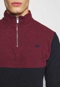 Burton Menswear London - BUR C'BLOCK HALF ZIP - Sudadera - burgundy - 5