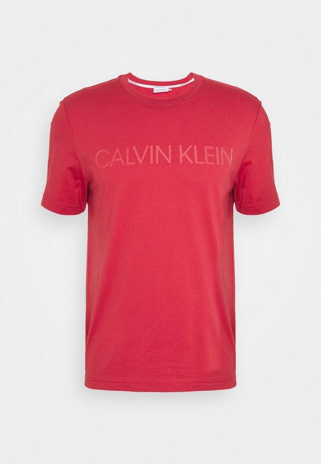 2 TONE LOGO - Print T-shirt - red