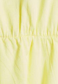 MAMALICIOUS - MLVIGGA  - T-shirts med print - elfin yellow - 2
