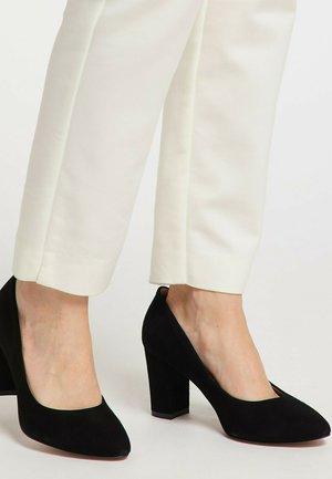 VERLOURSLEDER - High heels - schwarz