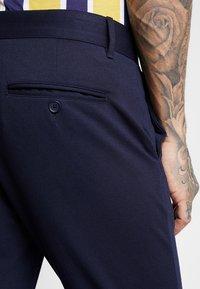 Only & Sons - ONSMARK PANT - Pantalon classique - dark navy - 5