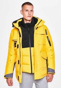 National Geographic - Down jacket - lemon chrome - 2