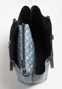 Guess - ALBY - Handbag - blau - 4