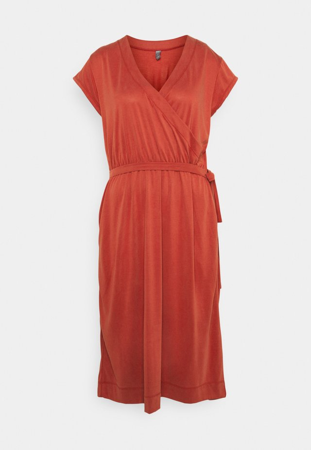 KAJSA DRESS - Vestito di maglina - ketchup