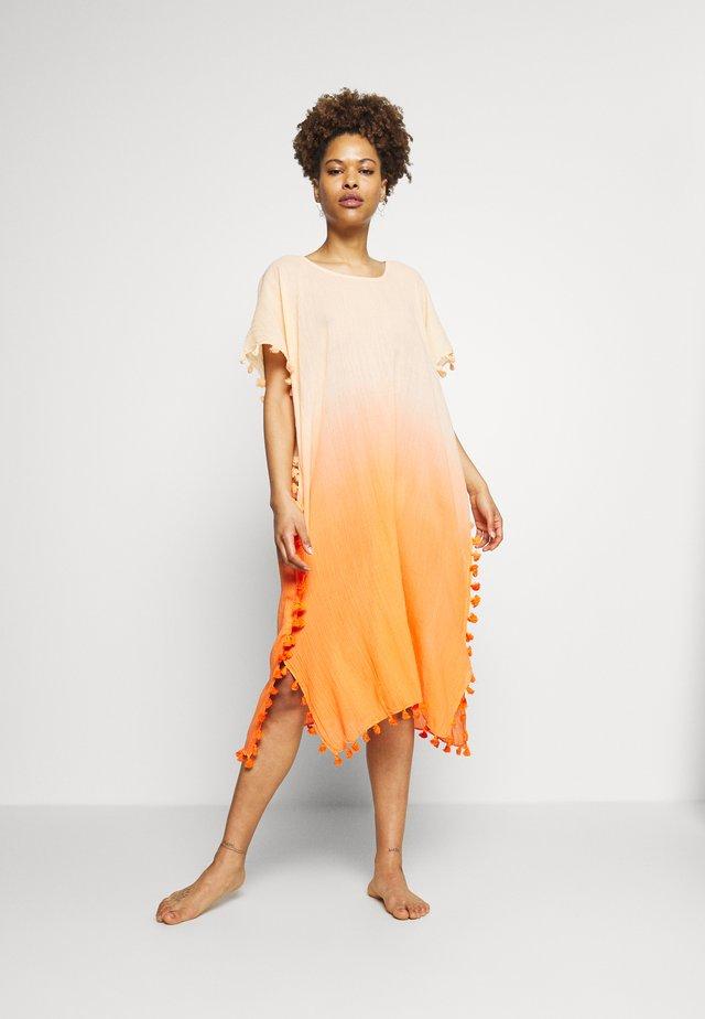 BEACH EDIT DIP DYE MIDI KAFTAN - Beach accessory - sandy orange