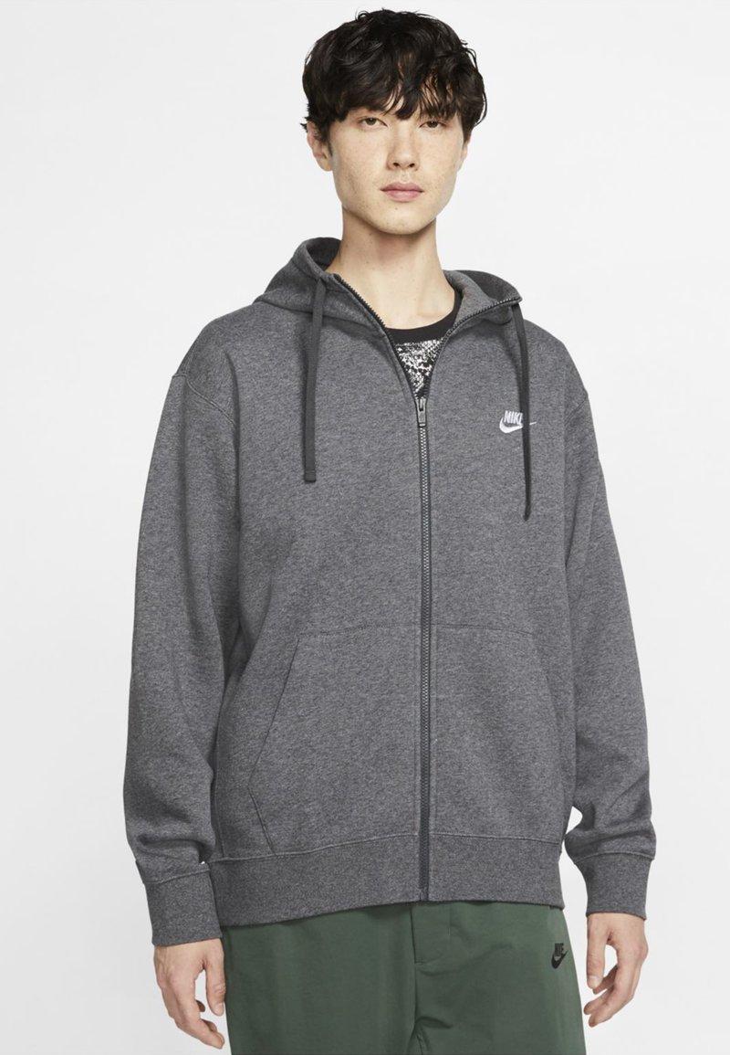 Nike Sportswear - CLUB HOODIE - Sweat à capuche zippé - charcoal heather/anthracite/white
