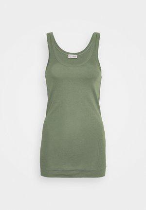 NEWDAWN - Top - clover green