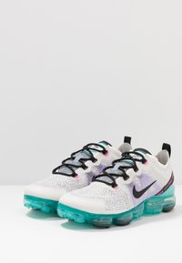 Nike Sportswear - AIR VAPORMAX 2019 - Matalavartiset tennarit - platinum tint/black/aurora green/pink blast/bright violet - 2