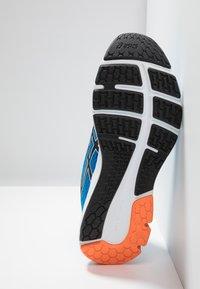 ASICS - GEL-PULSE 11 - Neutrální běžecké boty - directoire blue/white - 4
