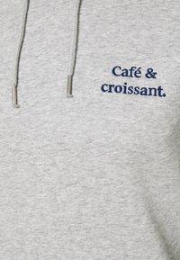 Les Petits Basics - HOODIE CAFÉ CROISSANT UNISEX - Sweatshirt - heather grey - 2