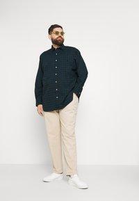 Polo Ralph Lauren Big & Tall - LONG SLEEVE SPORT SHIRT - Shirt - green/navy - 1