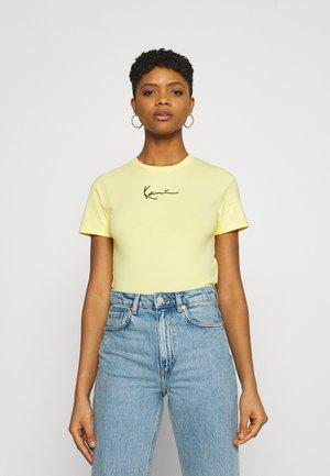 SMALL SIGNATURE SHORT TEE - T-shirt - bas - yellow
