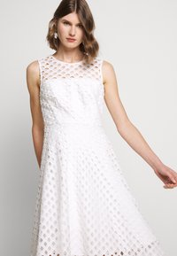 Milly - LATTICE EMBROIDERY ANNEMARIE DRESS - Cocktail dress / Party dress - white - 5