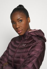 Arc'teryx - CERIUM HOODY WOMEN'S - Down jacket - rhapsody - 4