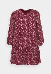 Glamorous Curve - VNECK SMOCK DRESS - Day dress - maroon ditsy - 0