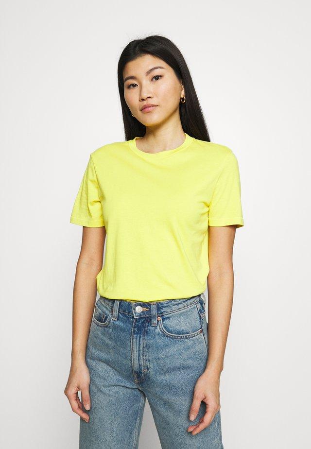 SLFMY PERFECT TEE BOX CUT - T-shirt basic - light yellow
